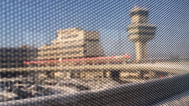 2014-12-29-airport-through-the-bus-window-056
