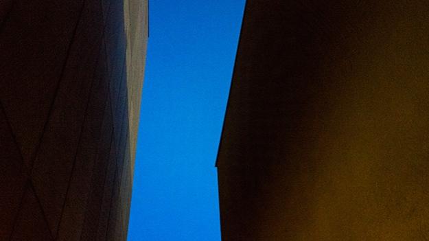 2015-09-14-between-the-buildings-007