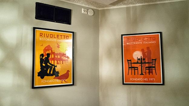 2016-08-28-posters-in-the-ristorante-015